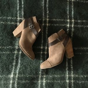 Carlos Taupe Ankle Boots